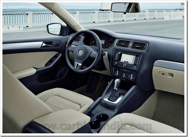 Volkswagen-Jetta_2011_1024x768_wallpaper_09
