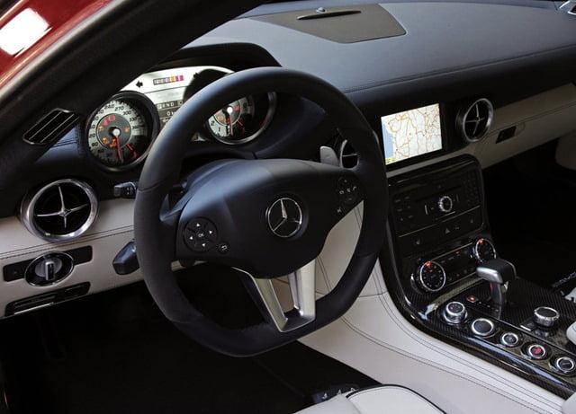 Mercedes Benz SLS_AMG_US_Version_2011_1024x768_wallpaper_60