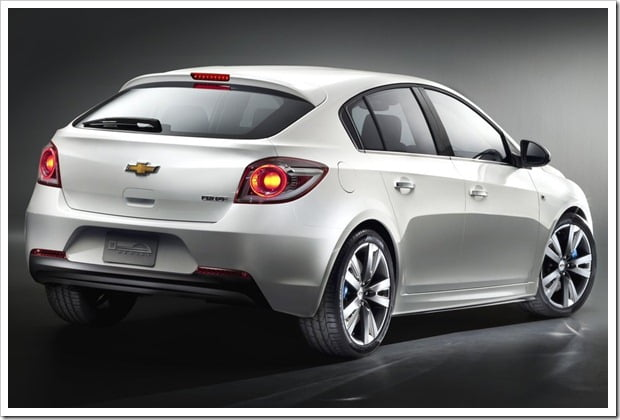 Chevrolet-Cruze_Hatchback_2012_1024x768_wallpaper_03