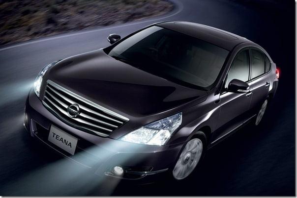 2010_Nissan_Teana_India