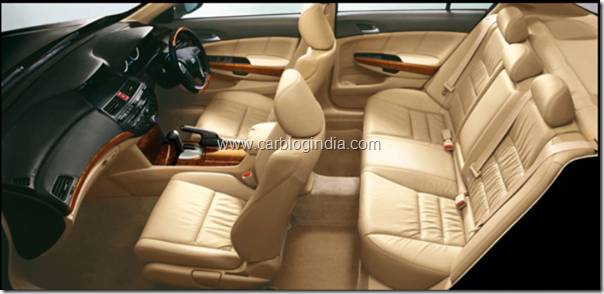 honda-accord-2011-interiors
