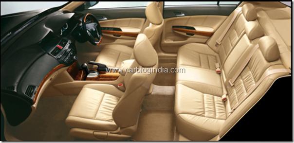 honda-accord-2011-interiors