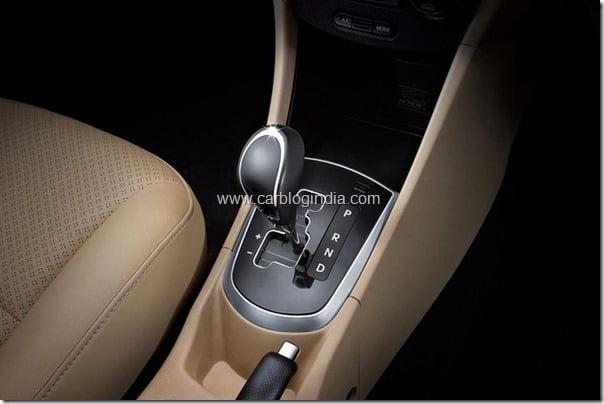 Hyundai Verna Rb 2011 Interiors and features (5)