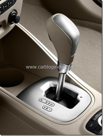 renault-fluence-india-official-picture (2)
