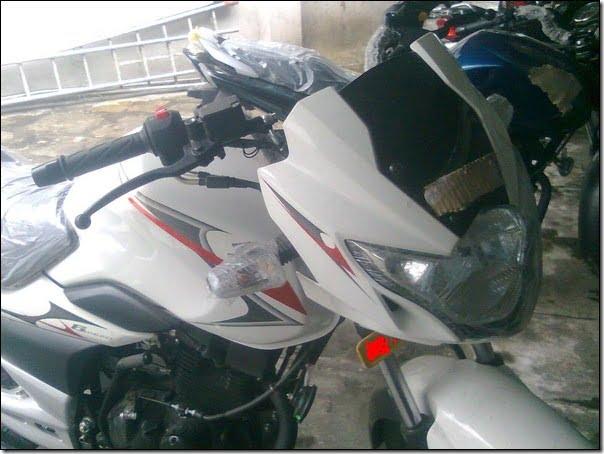 2012-Suzuki-GS150R-1