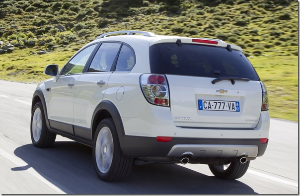 chevrolet-captiva-2012-side-rear-view