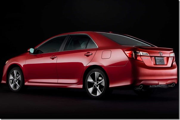 Toyota-Camry_2012_1024x768_wallpaper_12