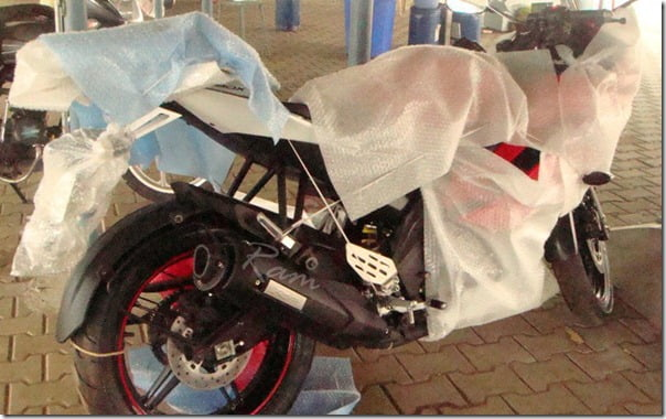 Yamaha R15 2011 New Model (3)