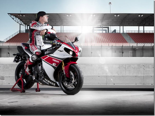 Yamaha YZF R1 2012 Superbike New Model Pictures & Changes