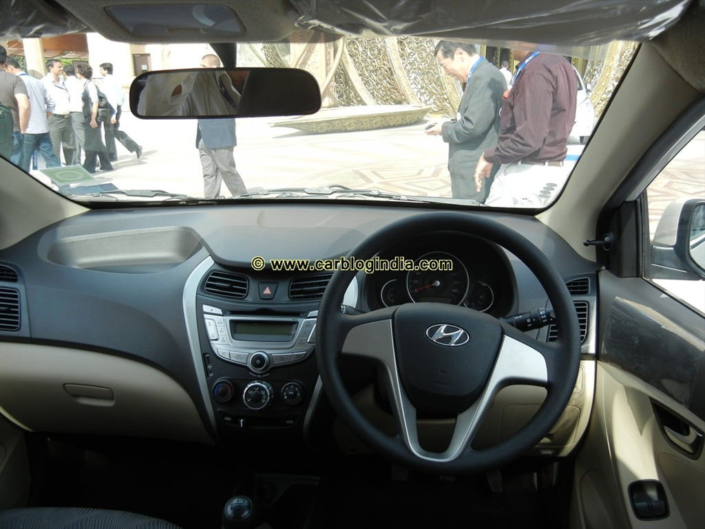 hyundai eon interiors exteriors pictures video review in detailed. Black Bedroom Furniture Sets. Home Design Ideas