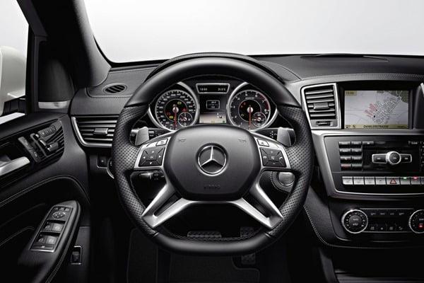 2012 Mercedes-Benz-ML63_AMG interior