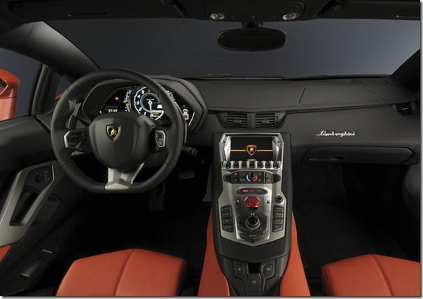 Lamborghini-Aventador (7)