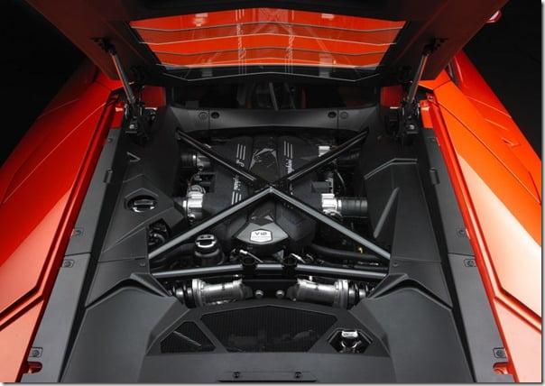 Lamborghini-Aventador (8)