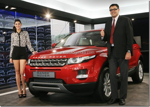 Nargis Fakhri– Rockstar Movie Lead Actress Unveils Range Rover Evoque In Delhi