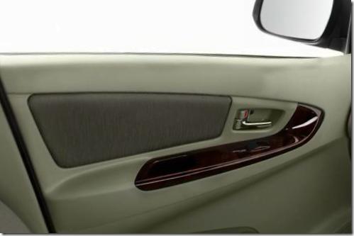 Toyota Innova 2012 New Model (5)