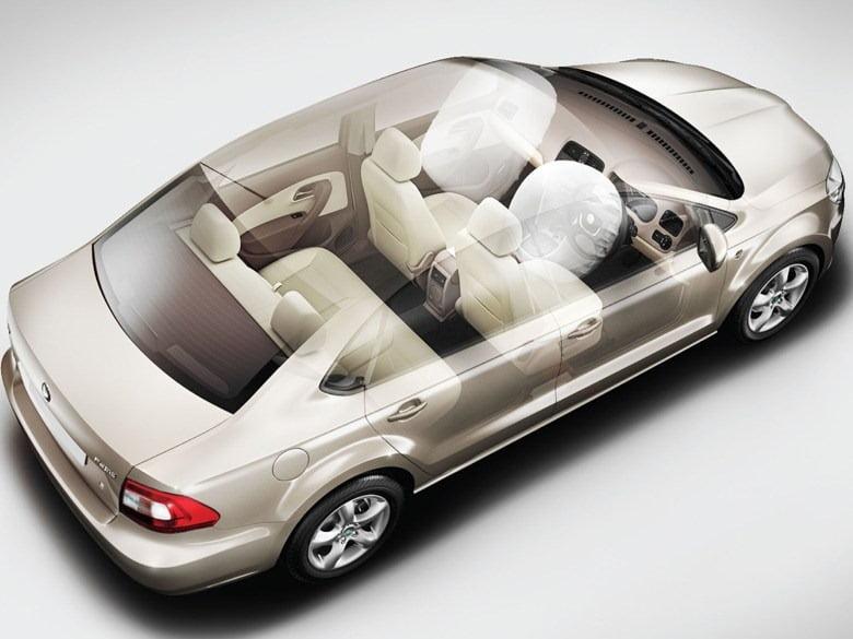 Confused B W Skoda Rapid Diesel And Hyundai Verna Fluidic Diesel