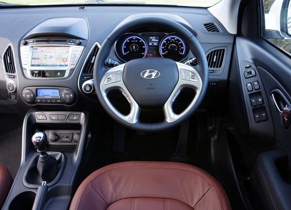 Hyundai-ix35-Tucson SUV interiors