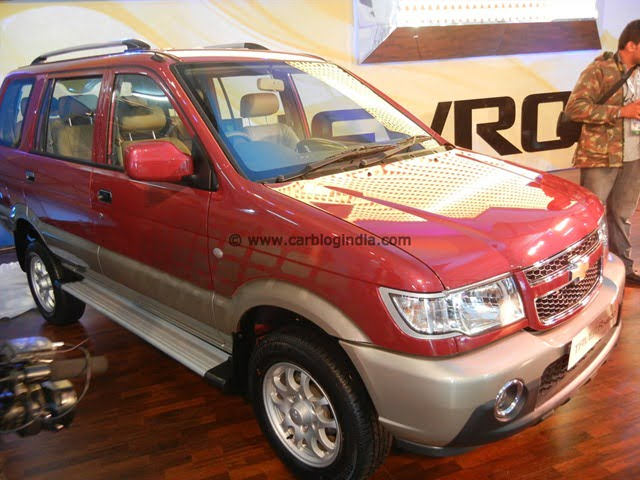 Chevrolet Tavera 2012 Neo 3 Model Launched At 2012 Auto Expo All