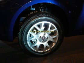Fiat Linea and Grande Punto 2012 New Models (24)