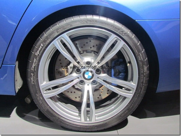 BMW M5 Sports Sedan Launched In India At 2012 Auto Expo – Price, Pictures, Specifications and Details