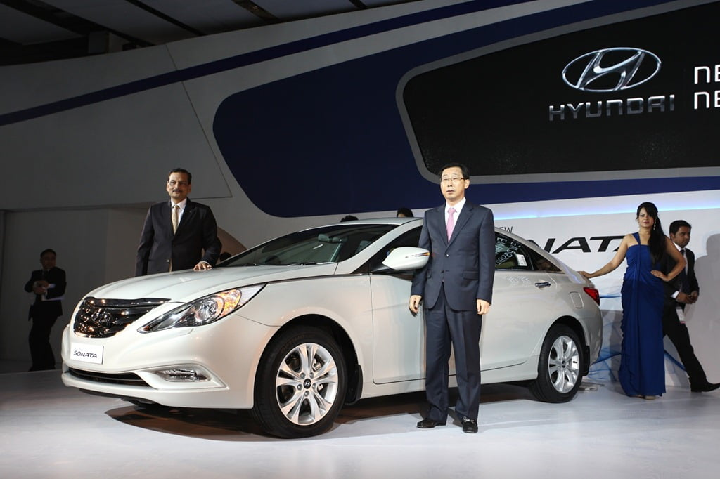 2012 hyundai sonata launched officially in india price features specifications and details. Black Bedroom Furniture Sets. Home Design Ideas