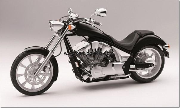 VT1300CX 2011 black FL-side