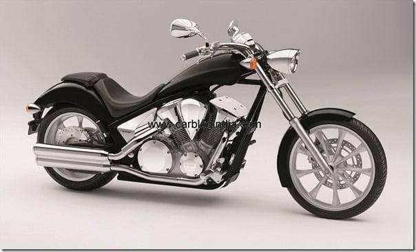 VT1300CX 2011 black FR-side