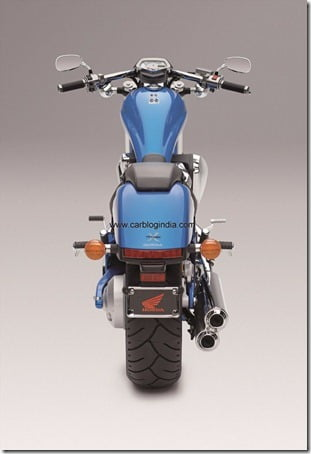 VT1300CX 2011 blue Rear-side