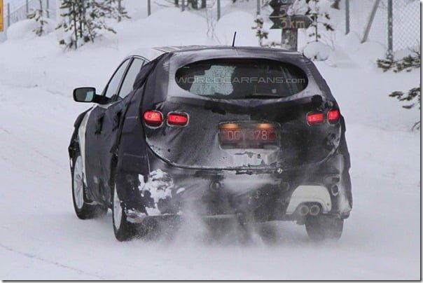 2013 Hyundai Santa Fe/ix45 Fluidic SUV Model Spied In Scandinavia