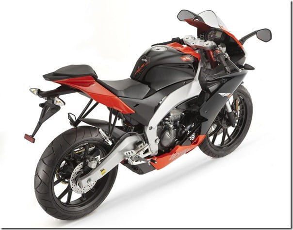 Aprilia RS4 With 200CC Engine In India To Compete KTM Duke 200