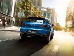 2015 Porsche Macan Rear Right Quarter1