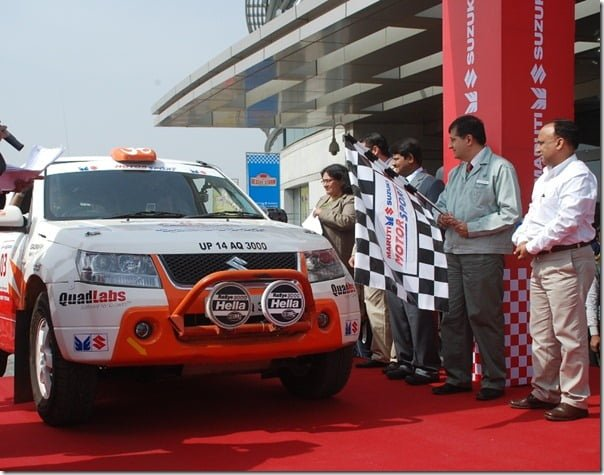 Mr. Mayank Pareek Managing Executive Officer M&S & Mr. Shashank Srivastava , Chief General Manager,Marketing flagging off the 10th Maruti Suzuki Desert Storm from New Delhi today.1