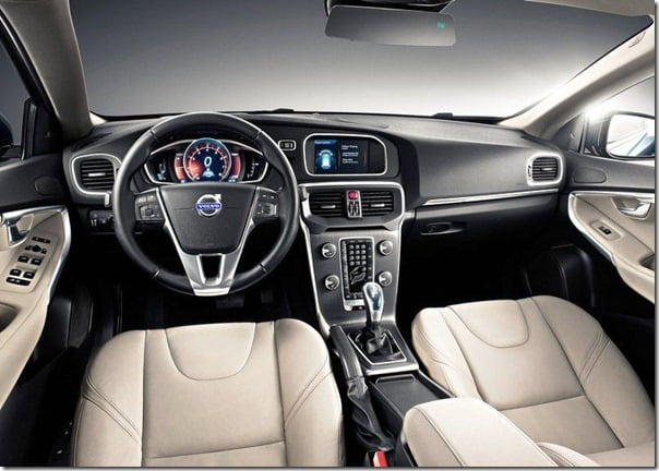 Volvo V40 Official Picture (2)