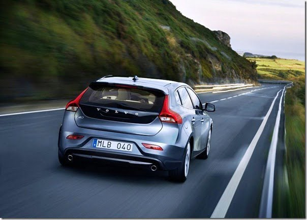Volvo V40 Official Picture (7)