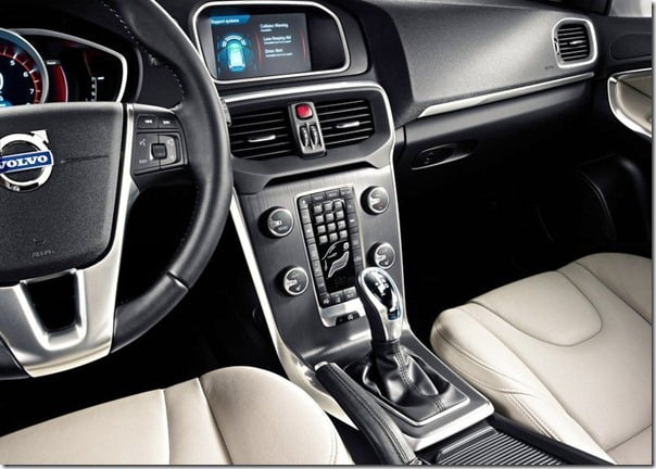 Volvo V40 Official Picture (8)