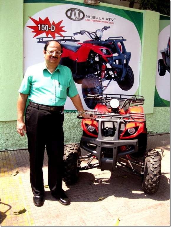 2. Mr Sukhdev Asnani, MD Nebula Automotive with the Dingo 150