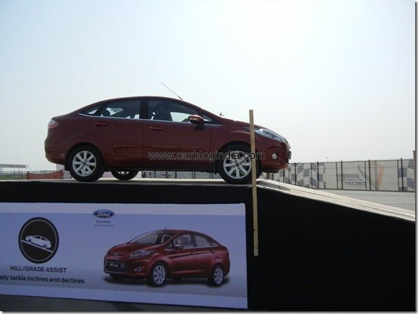 Ford Fiesta 2012 PowerShift Automatic Track Test Drive Review (86)