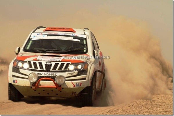 Mahindra XUV5OO Wins 3rd Place At Desert Storm 2012 Car Rally (1)