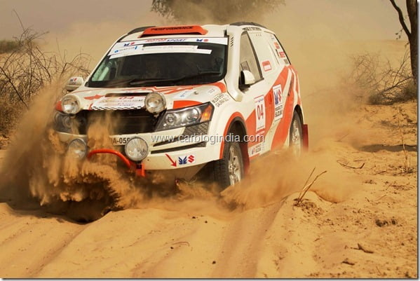 Mahindra XUV5OO Wins 3rd Place At Desert Storm 2012 Car Rally (3)