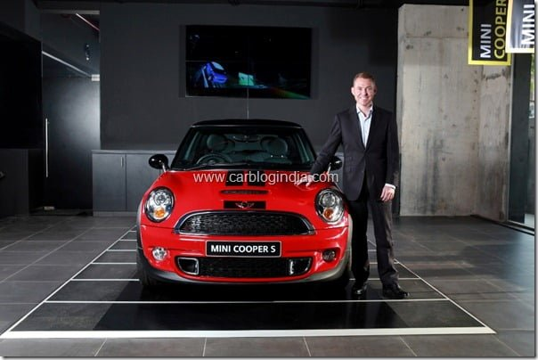First Mini Cars Showroom Opened In India In Mumbai By Infinity Cars