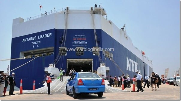 Toyota Etios Export Ceremony at Ennore Port near Chennai  4th April 2012 (5)