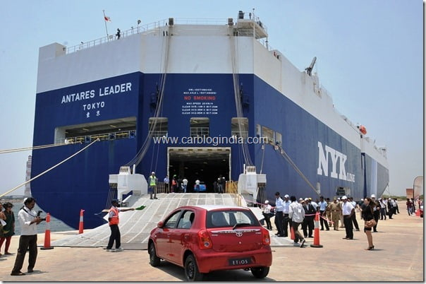 Toyota Etios Export Ceremony at Ennore Port near Chennai  4th April 2012 (6)