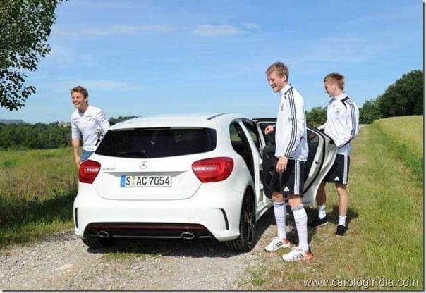 Fussball/ GES/ Formel 1-Piloten besuchen Nationalmannschaft