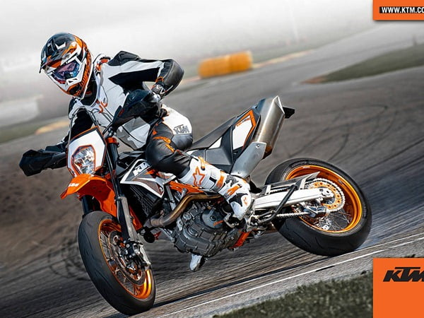 KTM Developing 375 CC Motorcycles With Bajaj Auto