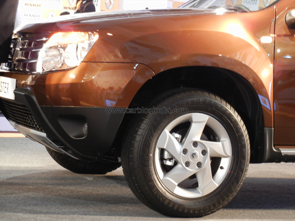 Renault Duster Compact SUV India (54)