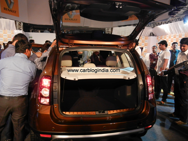 Renault Duster Compact SUV India (65)