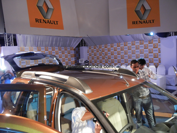 Renault Duster Compact SUV India (81)