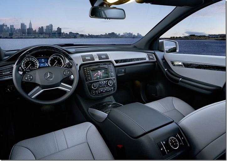 2011 Mercedes Benz R-Class interior