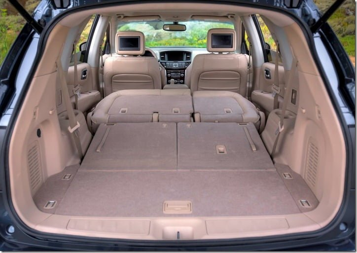 2013 Nissan Pathfinder interior