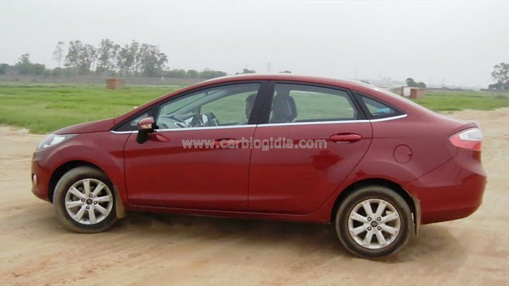 Ford Fiesta Automatic Road Test (10)